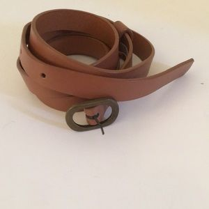 Accessories - NWOT 1/2 inch belt fits 38-42 inches